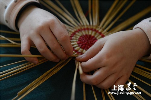 Xuhang straw weaving publicized at lecture