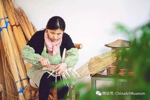 Jiading resident enters national handicraft competition