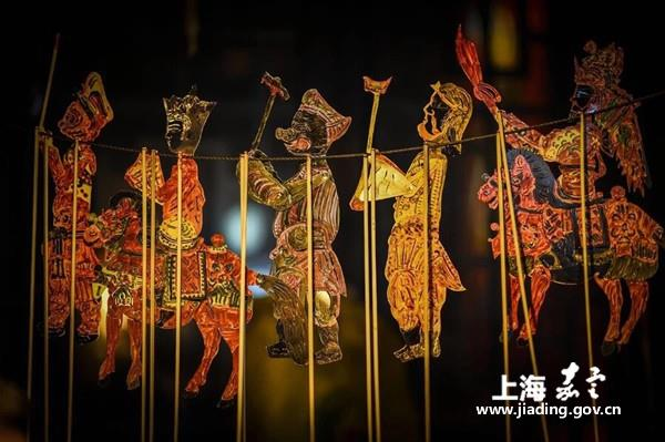 Century-old shadow-puppetry troupe dazzles in Jiading